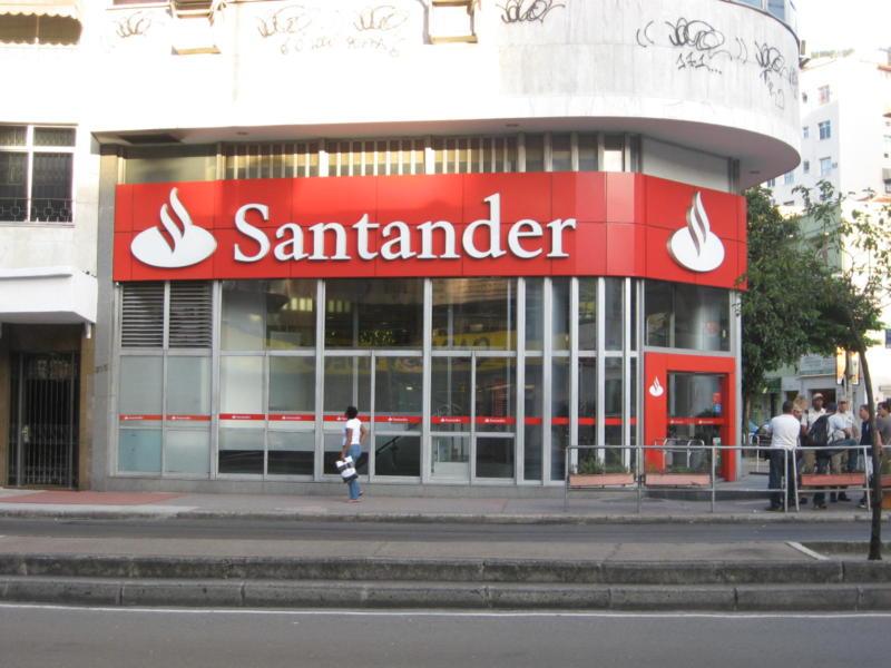 Santander abre vagas para programa de Trainee