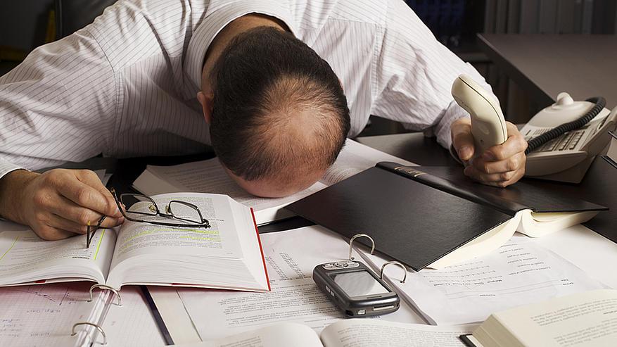 Síndrome de Burnout atinge trabalhadores no Brasil – saiba como tratar
