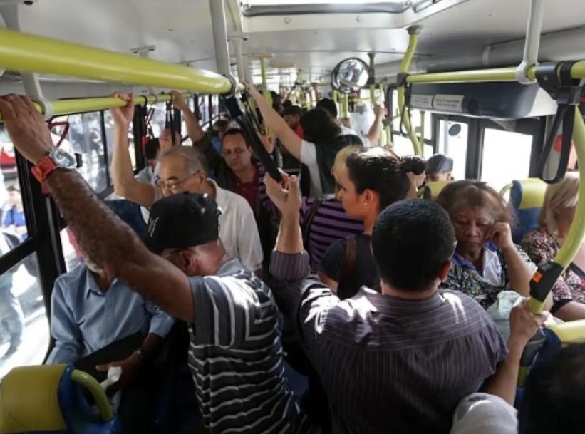 A extinção dos cobradores de ônibus em BH