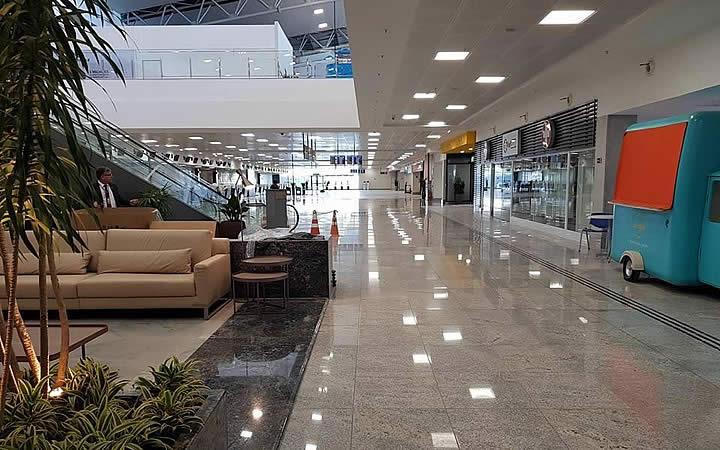 Aeroporto de Vitória é privatizado e vagas de emprego são abertas