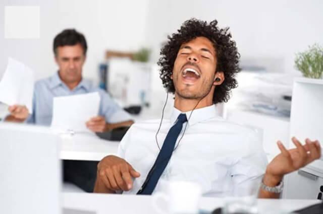 Como utilizar a música no ambiente de trabalho