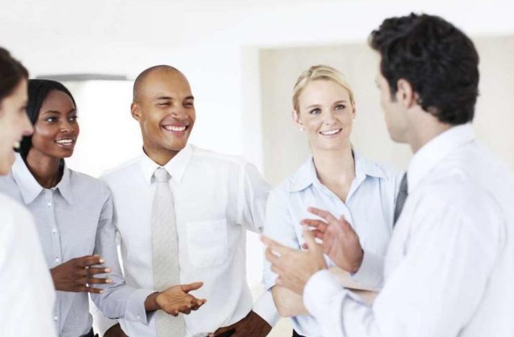 Quando um colega de trabalho passar dos limites, siga estas etapas (e proteja seu trabalho)