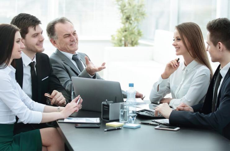 Como os CEOs podem construir uma base para o sucesso durante os primeiros 100 dias?