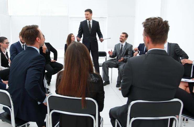 Os líderes aprendem: por que um curso de liderança vale a pena