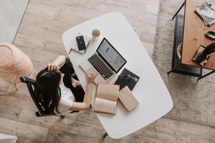Saiba como ser um assistente virtual e trabalhar de casa