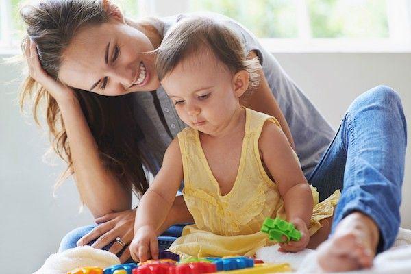 Veja como encontrar vagas de babá e enviar seu currículo
