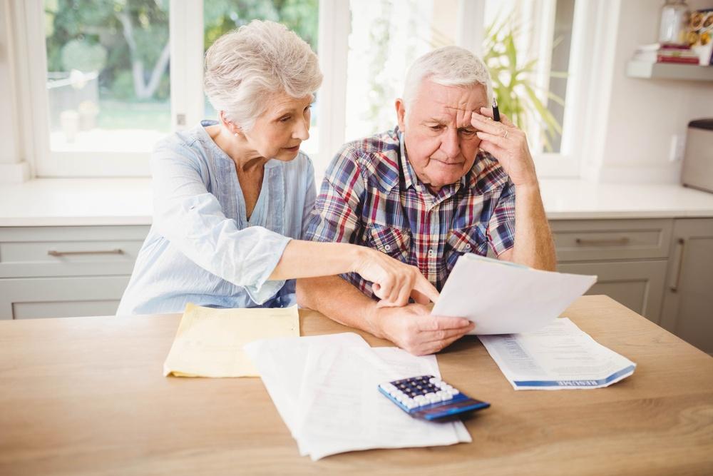 Vale a pena aposentar mais cedo ou esperar até ter 100% do benefício?