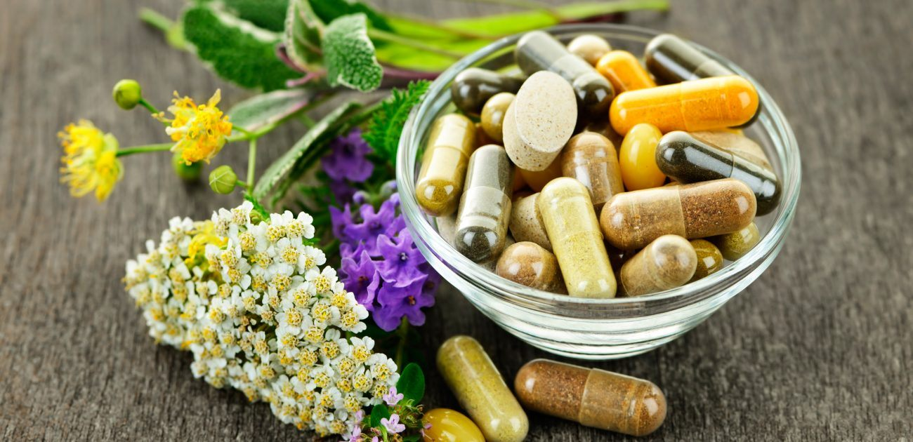 Quer seguir carreira na área da saúde? Entenda os homeopáticos e os fitoterápicos
