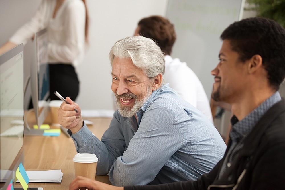 A melhor idade: por que é bom contratar funcionários mais velhos